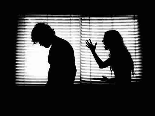 pareja-pelea
